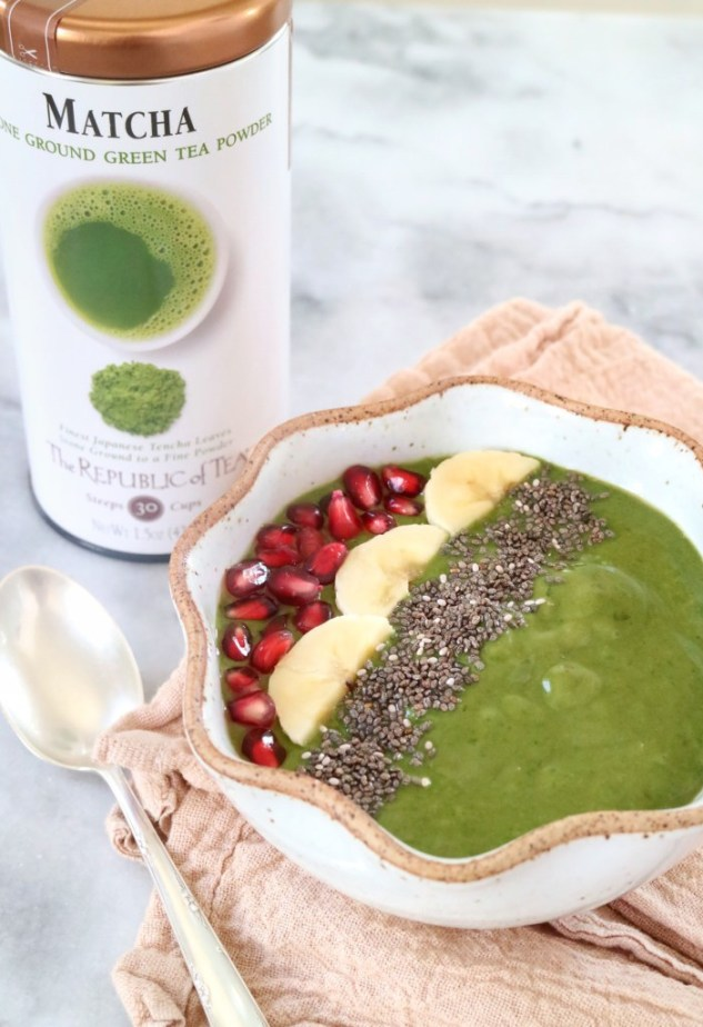 17 Smoothie Bowl recipes from food loving dietitians including this Matcha Powder Smoothie Bowl via @karmanmeyer