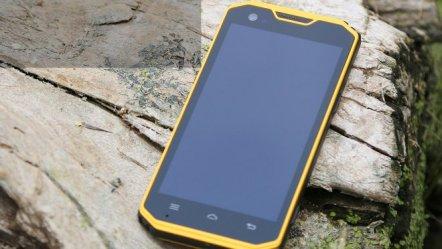 Cloud-Fox-A7-Pro-i-Golden-tri-vrlo-žestoka-i-skupa-smartfona-01