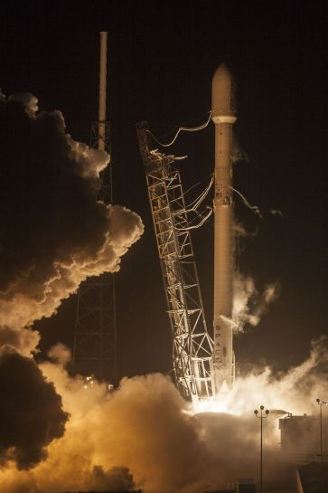 SpaceX Falcon 9 (2)