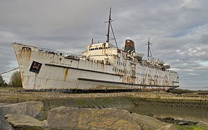 300px-duke_of_lancaster_beached_2010.jpg