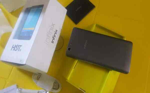 Infinix Hot 3, 3-Pin AC Adapter, USB Cable, 3000 mAh Battery, Earphone, User Guide, Warranty and Safety information