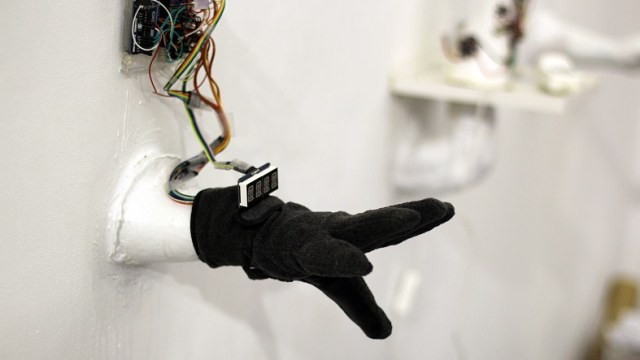 smart glove for translate sign language to text and speech