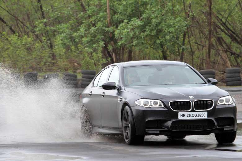 BMW-Experience-Tour-2015-L