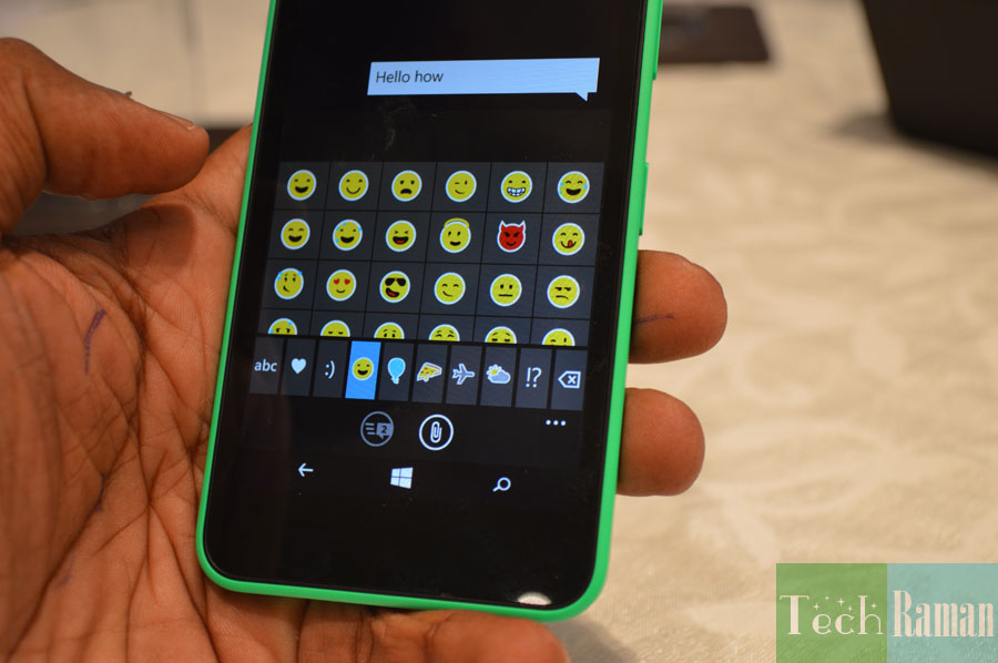 Lumia-630-keypad-emoticons