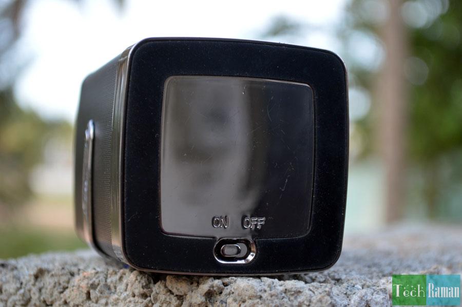 Astrum-Bluetooth-speaker-power-switch
