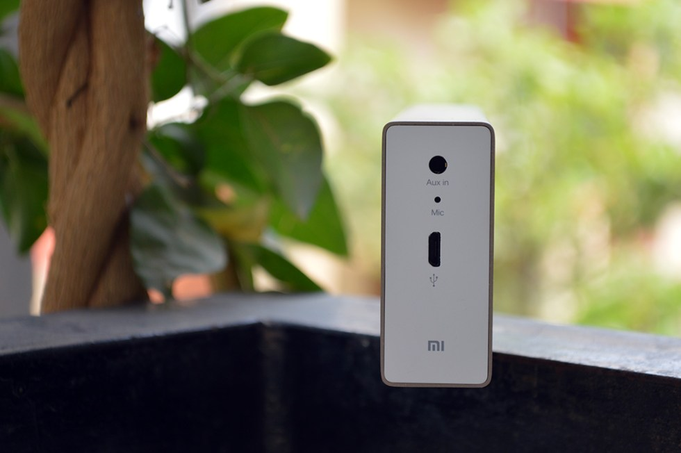 Mi-Bluetooth-Speaker-Aux-USB-port