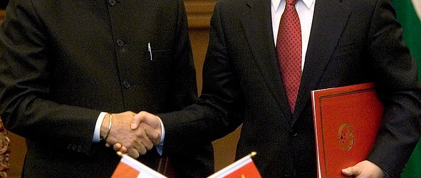 Indian Prime Minister Manmohan Singh with Chinese Premier Wen Jiabao.