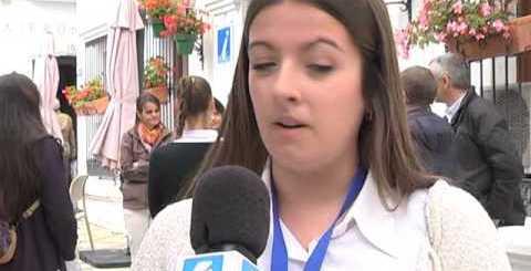 Alumnos de Turismo hacen práctica de guía en Estepona
