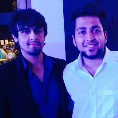 Music Sensation : Ashmik Patil with his idol Sonu Nigam
