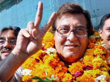 vinod khanna, bollywood actor, vinod khanna facts, vinod khanna death, vinod khanna mp, bollywood