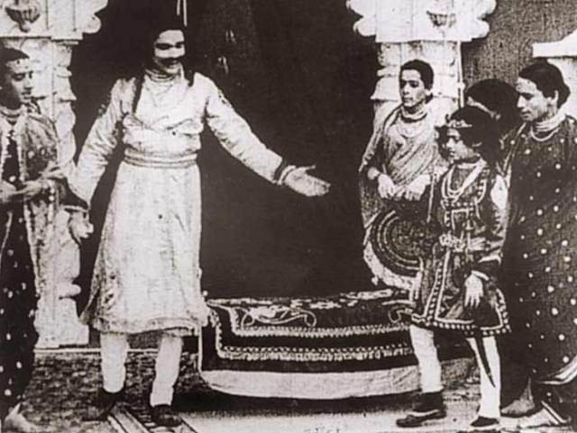 Raja Harishchandra, Dattatraya Damodar Dabke, Theater, Marathi, Olympia Theater, Mumbai, Grant Road, Press, Coronation Cinema, Bolywood, Indian, India, Cricket, Dadasaheb Phalke, Mythology, Ravi Verma, Audience, European, London, Premier, Painting, Cinema, Sword, King, Pune, Girls, Village, Insurance, Jewelleries, Queen, Taramati, Annasaheb Salunkhe, Cinematographer, British,
