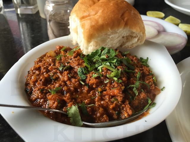 hotel ahura,breakfast ride, kheema pav, food, bike, ride, monsoon, short ride, solo rode, biker, motorcycle