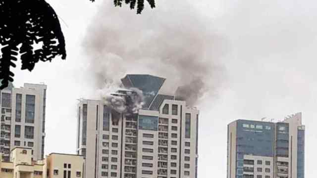 Deepika Padukone, Deepika, Beaumonde building, Mumbai, Prabhadevi, fire, firefighters, casualties, injuries, home, house, celebrity, superstar, bollywood