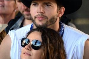 Aston-Kutcher-and-Mila-Kunnis