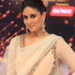Kareena's elegant pose for the shutterbugs
