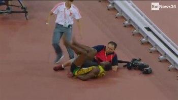 ウサイン・ボルト選手がカメラマンの乗ったセグウェイにひかれ負傷