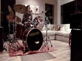 ドラムの騒音と女性がDVを受ける悲鳴を住宅街で流すと残念な検証結果に