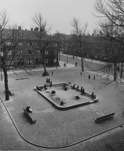 Aldo Van Eyck's first playground, Bertelmanplein, constructed in 1947