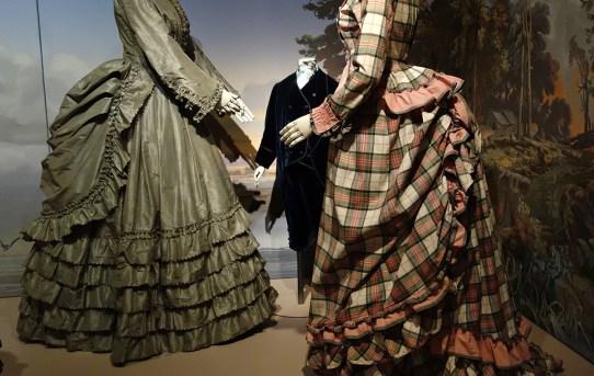 00 Fashion Forward _ Bustle Dresses