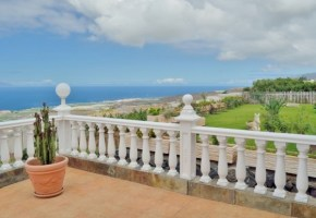 3 bedroom 2 bathroom  Villa  with Private Swimming Pool – 700,000€