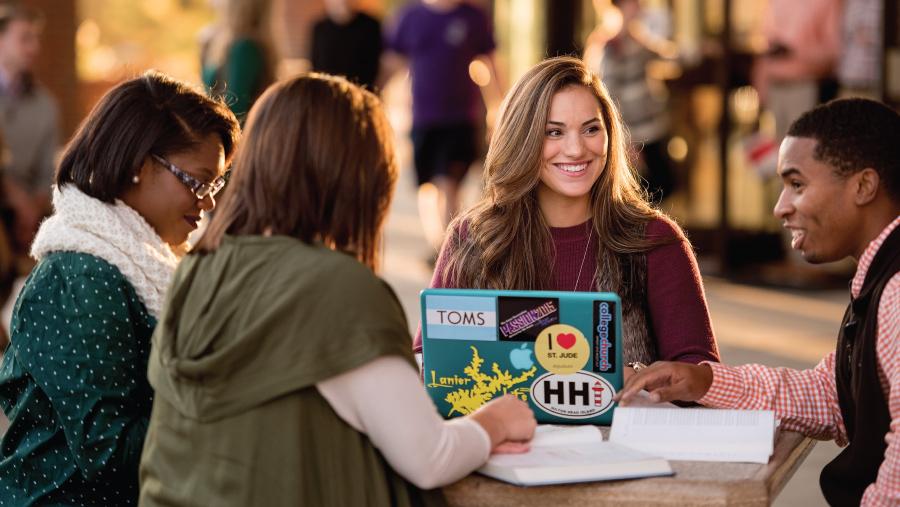 campus-features-utm-scholarships-16