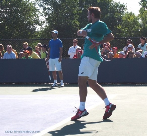 Stanislas Wawrinka Cincinnati Masters backhand green Yonex tee-shirt red shiny shoes Sev