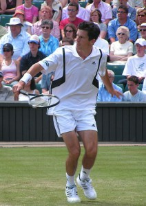 800px-tim_henman_backhand_volley_wimbledon_2004