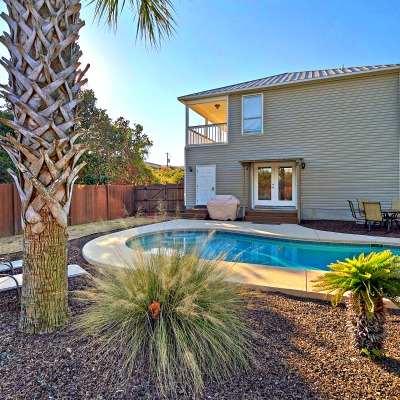 Crystal Beach Destin rental home pool