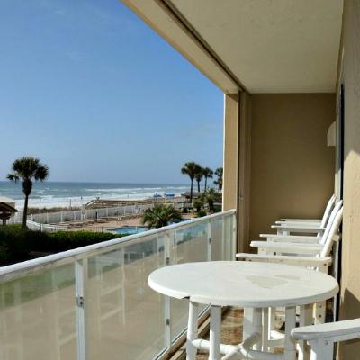 Sterling Sands Destin rental condo master bedroom balcony