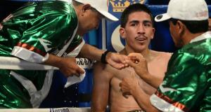 Leo Santa Cruz Defends His Title With Exciting Unanimous Decision Win Over Seda
