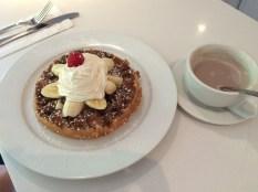 Nutella waffle & cocoa.