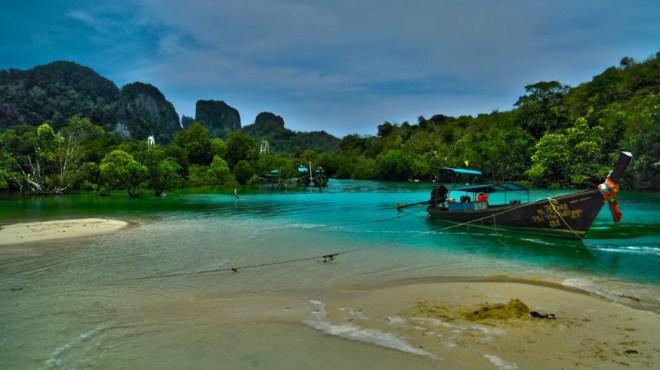 Пляж Ло Багао Бэй