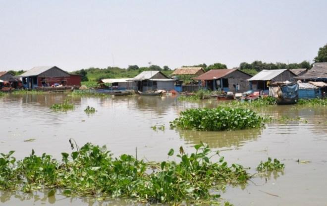 озеро Тонле Сап в Камбодже