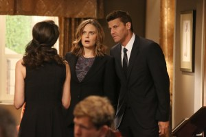"BONES:  L-R:  Emily Deschanel and David Boreanaz in the ""The Donor in the Drink"" episode of BONES airing Thursday, Oct. 15 (8:00-9:00 PM ET/PT) on FOX.  ©2015 Fox Broadcasting Co.  Cr:  Patrick McElhenneyFOX"