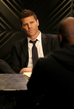 "BONES: David Boreanaz (L) and guest star XXX (R) in the Spring premiere ""The Death In The Defense"" episode of BONES airing Thursday, April 14 (8:00-9:00 PM ET/PT) on FOX. ©2016 Fox Broadcasting Co. Cr: Patrick McElhenney/FOX"