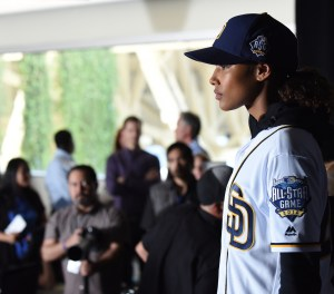 "PITCH: Kylie Bunbury in the all-new ""Pilot"" series premiere episode of PITCH airing Thursday, Sept. 22 (8:59-10:00 PM ET/PT) on FOX. CR: Tommy Garcia / FOX. © 2016 FOX Broadcasting Co."