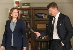 "BONES:  L-R:  Emily Deschanel and David Boreanaz in the ""The Final Chapter:  The Tutor in the Tussle"" episode of BONES airing Tuesday, Jan. 31 (9:01-10:00 PM ET/PT) on FOX. ©2016 Fox Broadcasting Co. Cr: Patrick McElhenney/FOX"