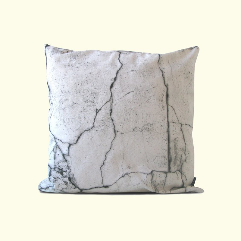 thatscandinavianfeeling_how are you_cracks texture pillow