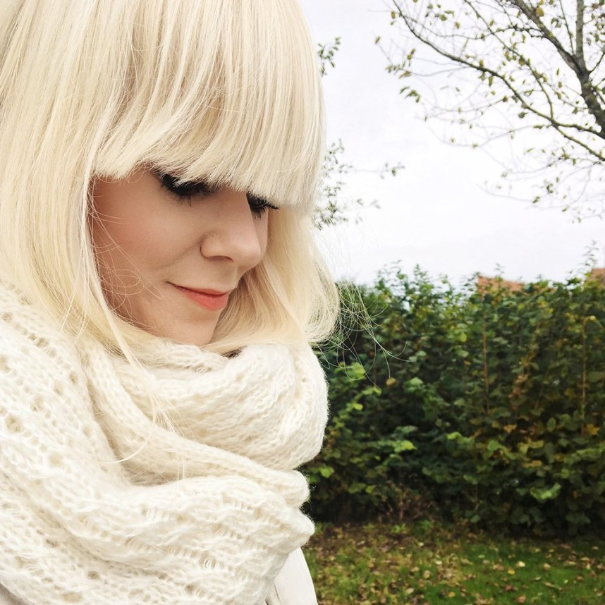 scandinavian_girl_norway_autumn_blonde