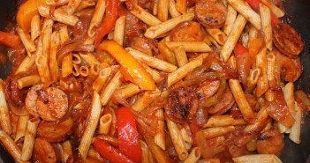 TSJ's Easy Peasy (Healthy!) Sausage and Pepper Penne