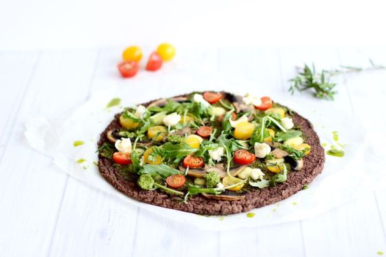 {Vegan} Black Bean Crust Pizza. Healthy Pizza recipe from The Fit Foodie.