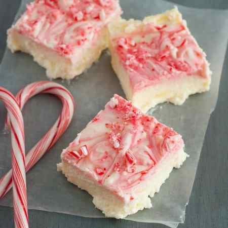 peppermint-cheesecake-bars