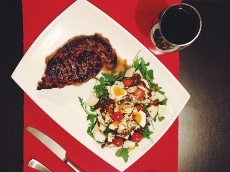 Готовим вместе: стейк рибай и салат из рукколы