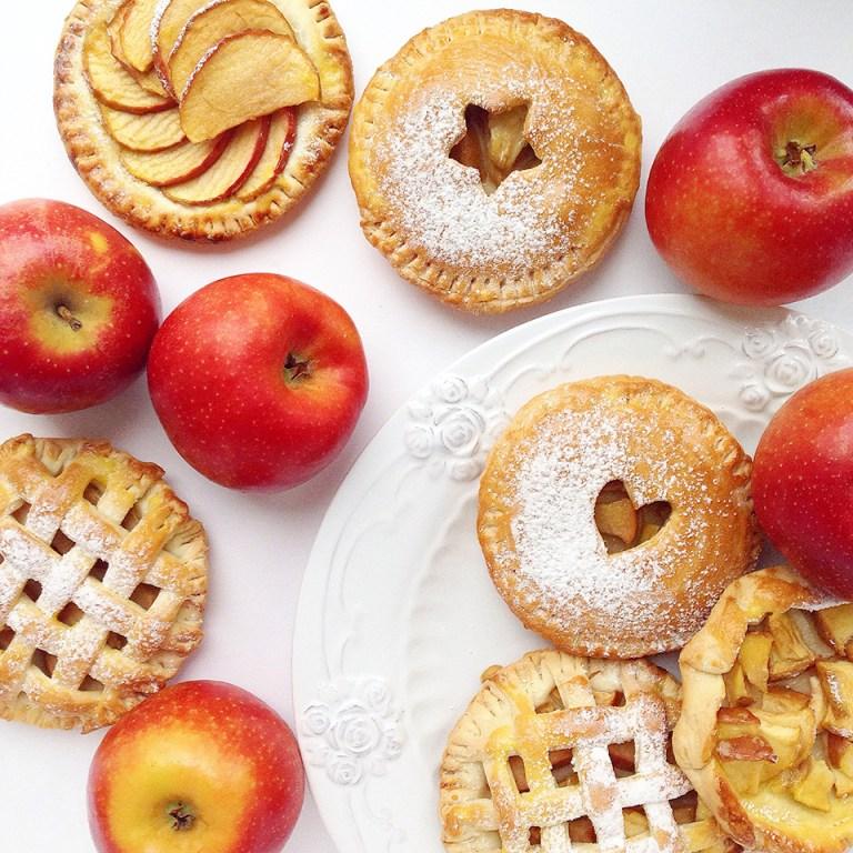 Готовим вместе: осенние пирожки с яблоками