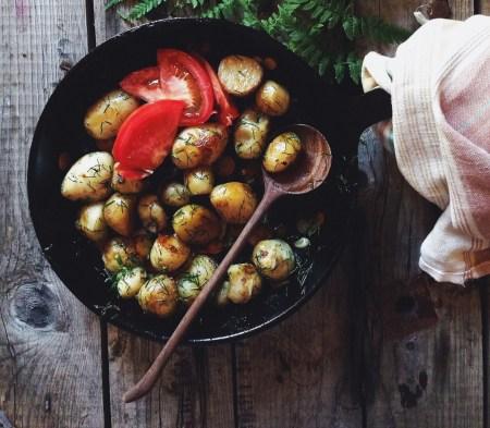 Рецепт молодого запеченого картофеля