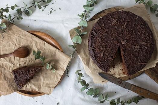 shokoladnyj-tort-s-chernoslivom-10