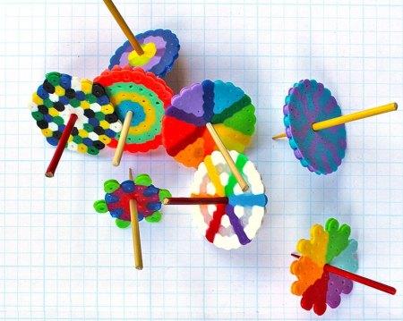 Мастерим развивающую игрушку — юлу