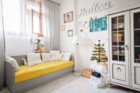 Светлое пространство с яркими деталями: квартира Насти в Праге