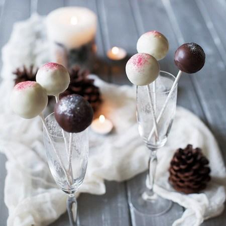 Рецепт новогодних кейк-попсов