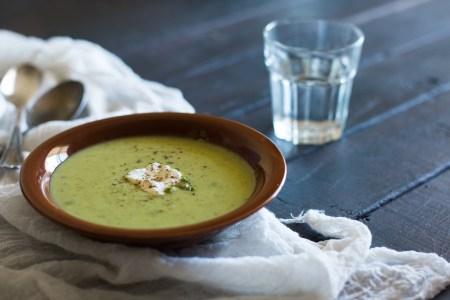 Рецепт супа из зеленого горошка и мяты